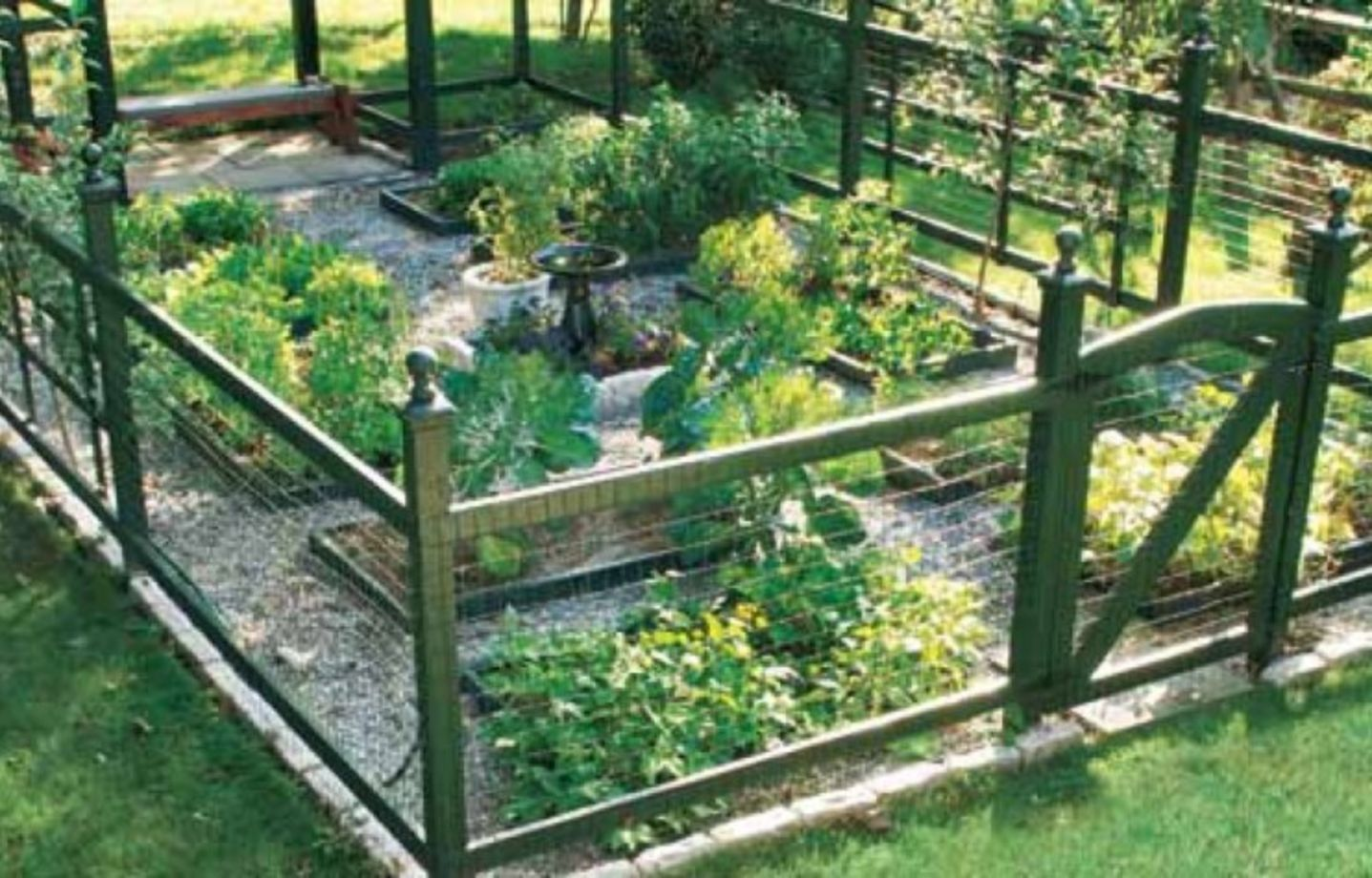 Vegetable Garden Fence Ideas Part - 35: Stunning Vegetable Garden Fence Ideas (18)