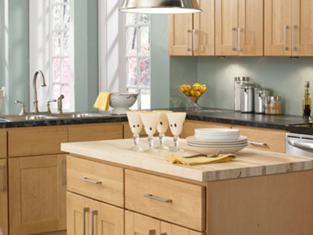 Amazing cream and dark wood kitchens ideas 44 round decor for Cream and dark wood kitchens