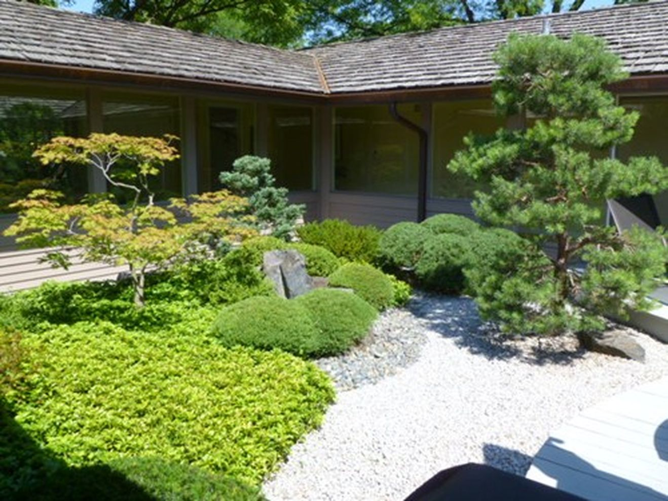 Beautiful Modern Japanese Garden Landscape Ideas 02