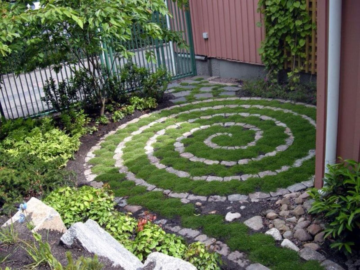 Cute and cool garden art for kids design ideas 18 round decor - Garden design kids ...