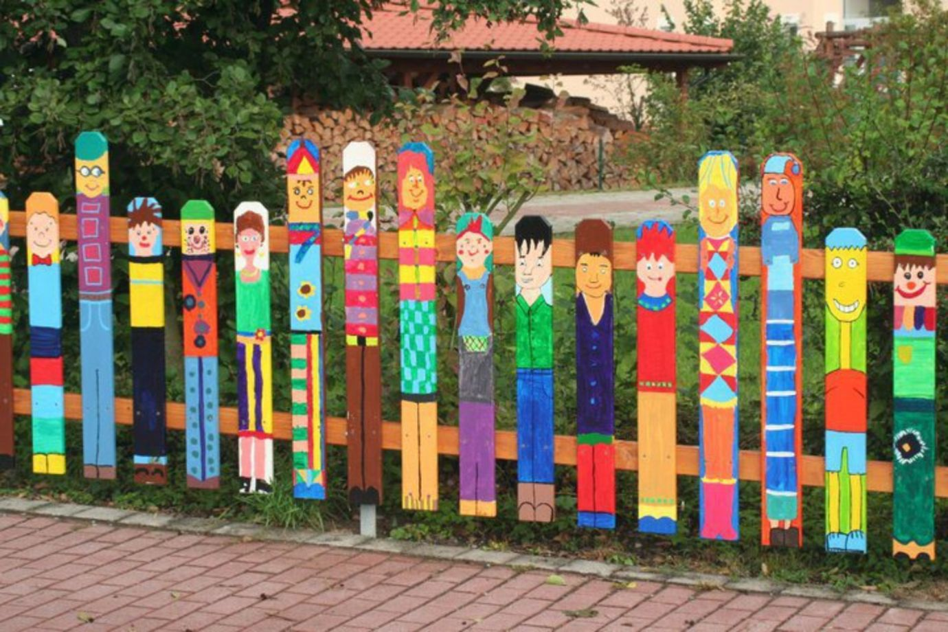 Cute And Simple School Garden Design Ideas 32 Round Decor