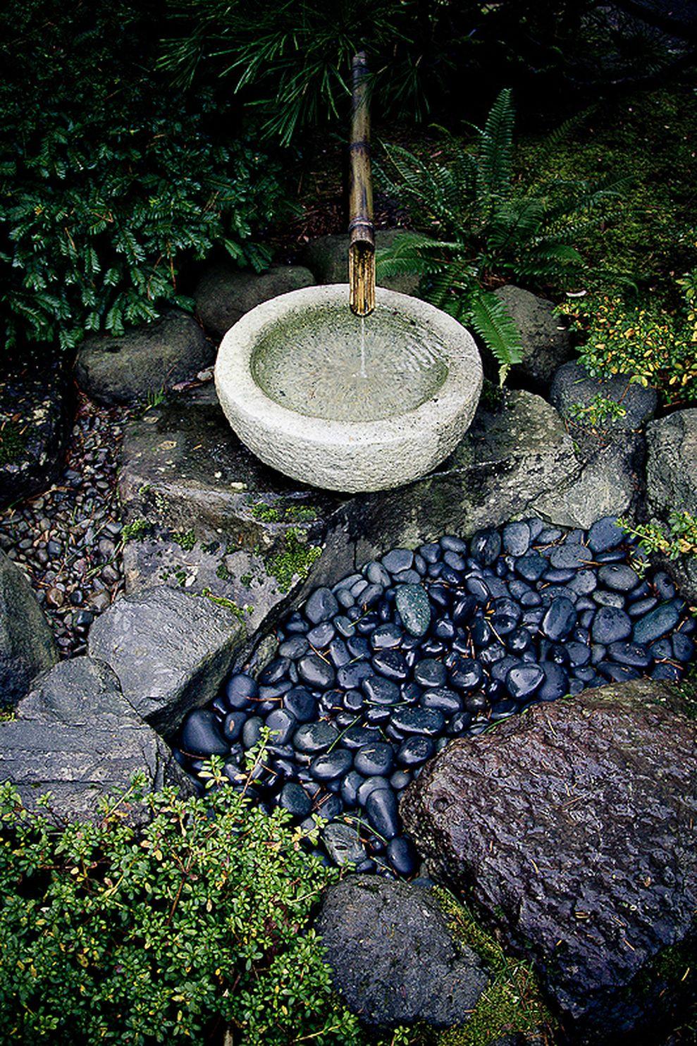 Inspiring small japanese garden design ideas 21 - ROUNDECOR
