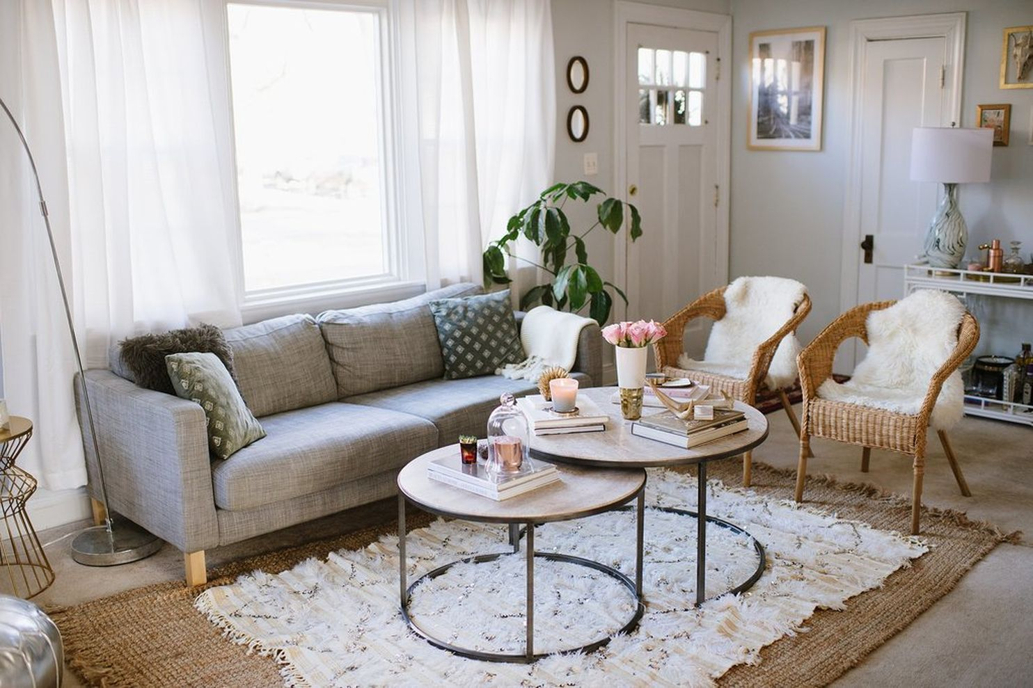 77 Living Room Ideas For An Apartment Roundecor