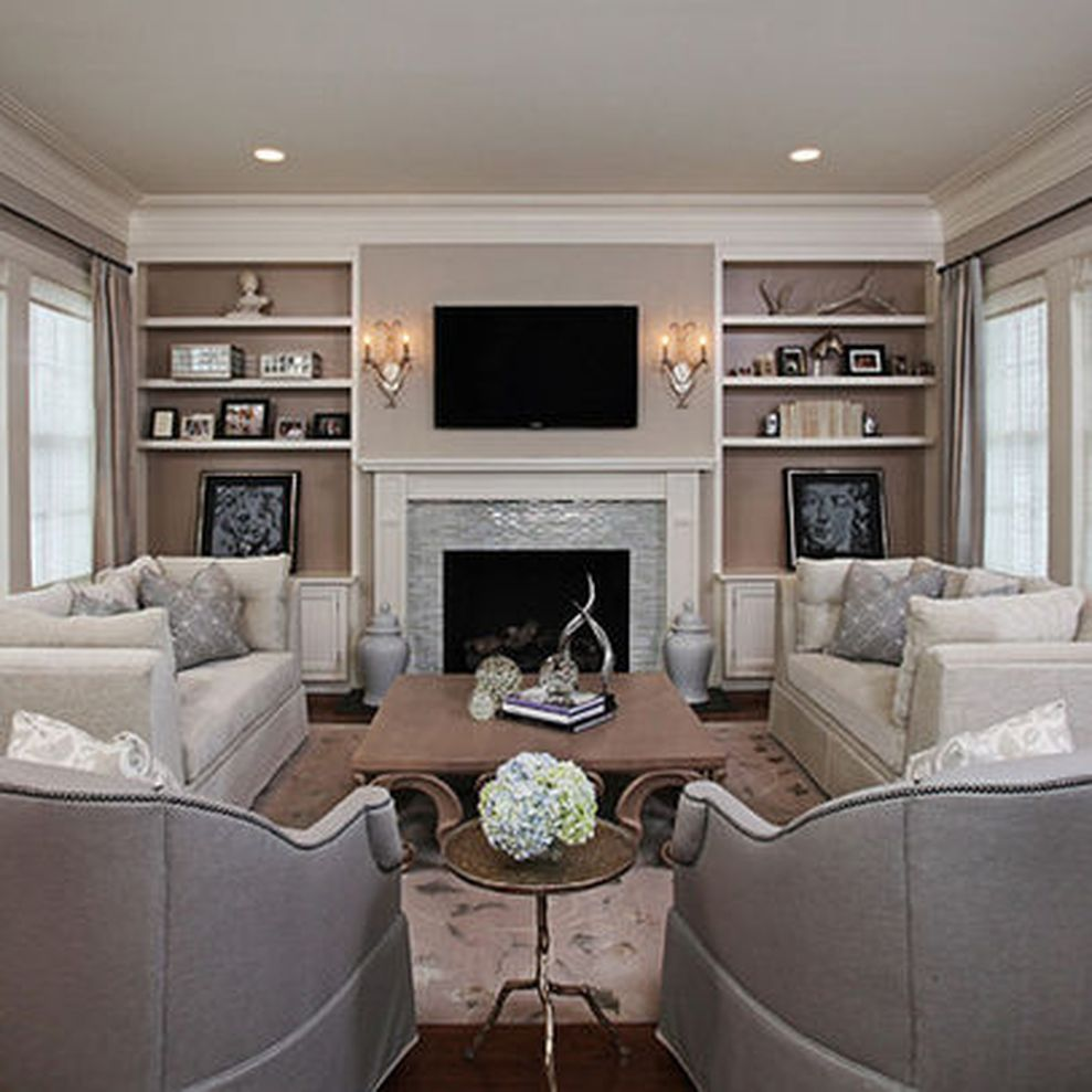 Simple living room design ideas with tv 26 round decor for Family room picture ideas