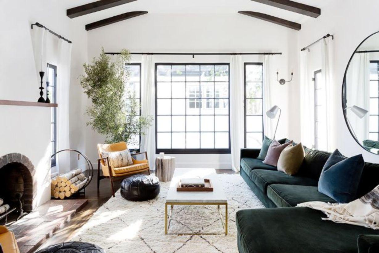 56 Adorable Christmas Living Room Décoration Ideas - Round Decor