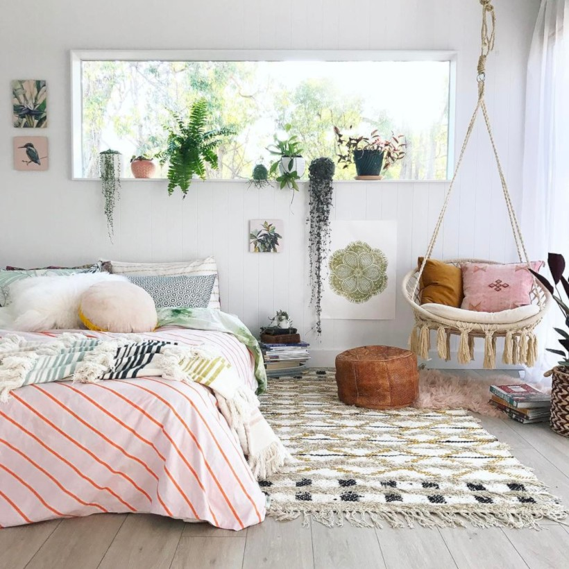 55 Amazing Bohemian Bedroom Decor Ideas - Round Decor