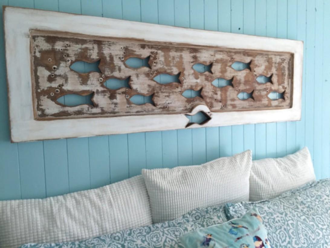 52 antique and unique bedroom decorating ideas round decor for Unique beach house decor
