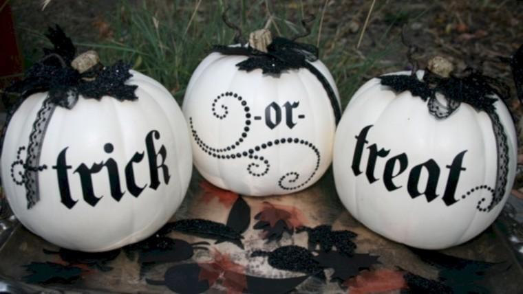 Beautiful ideas for elegant black and white halloween 52