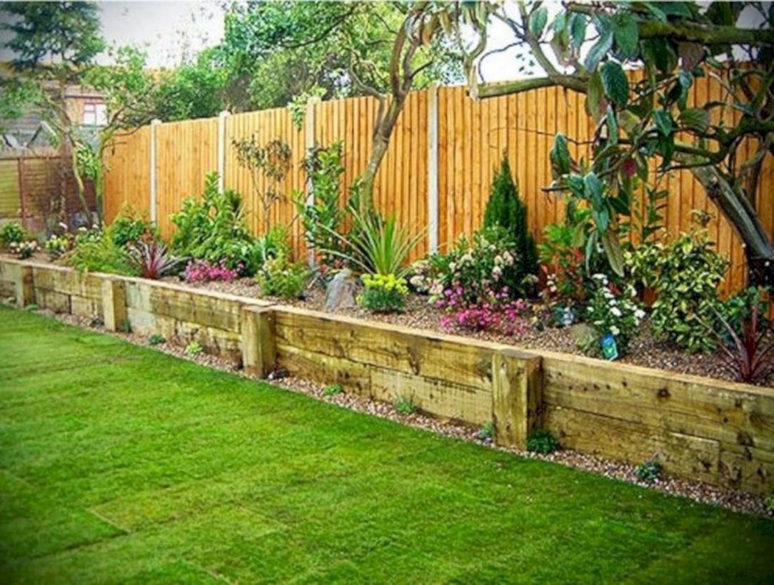 Diy backyard privacy fence ideas on a budget (7) - Round Decor