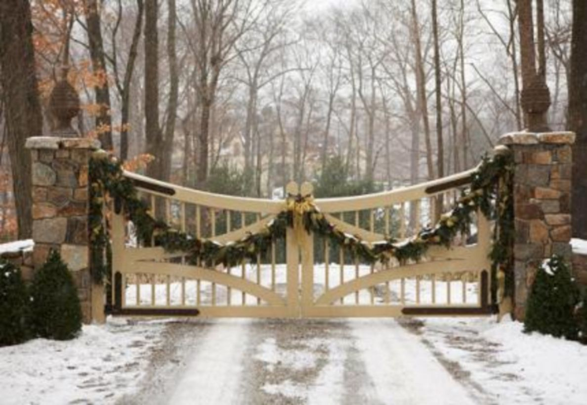 Ideas how to make comfortable rustic outdoor christmas décoration 23