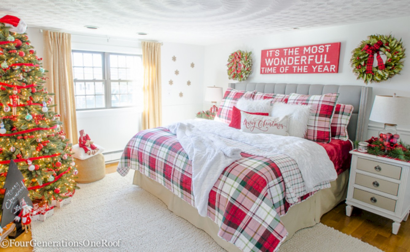 54 Inspiring Christmas Bedroom Décoration Ideas - ROUNDECOR