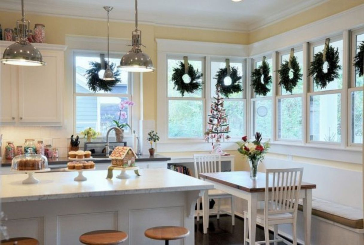 Stunning christmas kitchen décoration ideas 48 48 - Round Decor