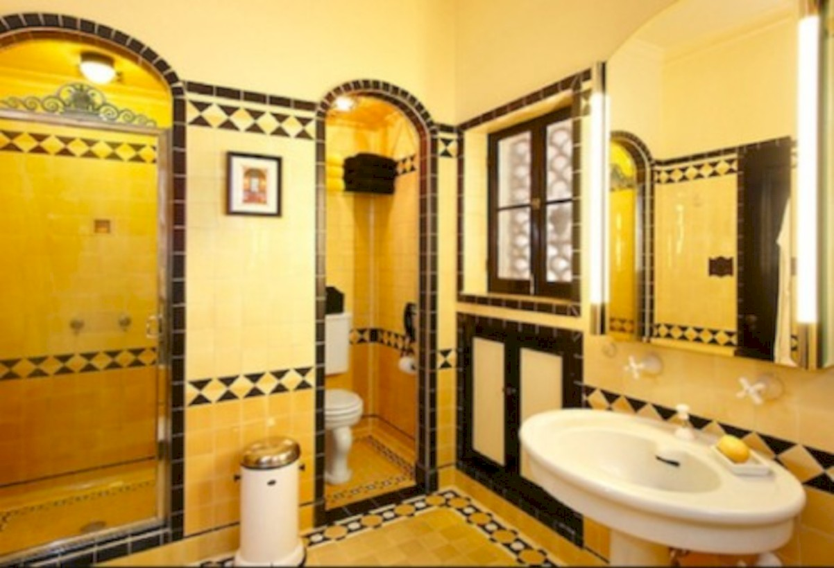 50 Yellow Tile Bathroom Paint Colors Ideas - Round Decor