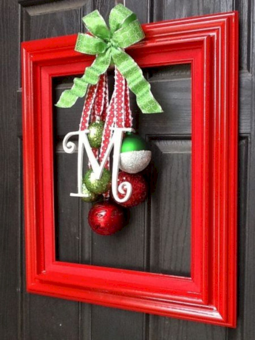 easy outdoor christmas decorations ideas on a budget 03 round decor