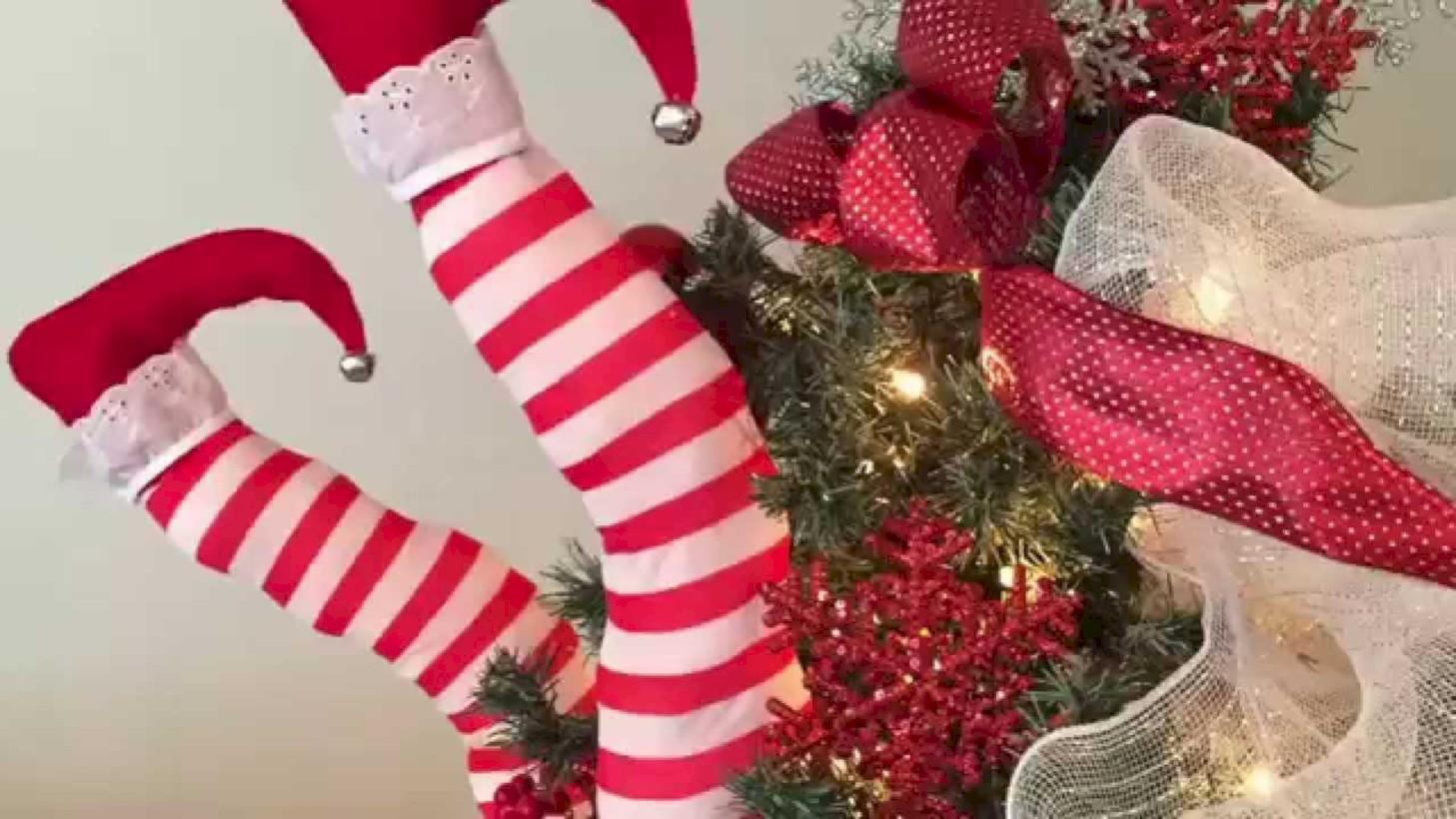 Easy Outdoor Christmas Decorations Ideas On A Budget 15