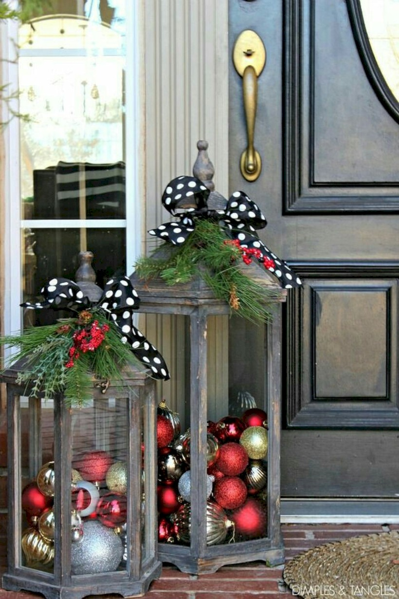 published november 16 2017 at 820 1230 in 39 easy outdoor christmas decorations ideas