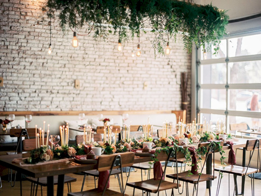39 Romantic Winter Vintage Wedding Decoration Ideas - Round Decor