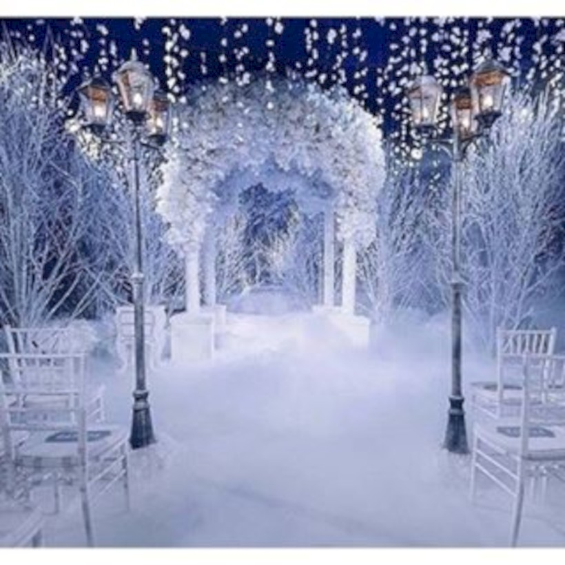 Spectacular Winter Wonderland Wedding Decoration Ideas 26 Round