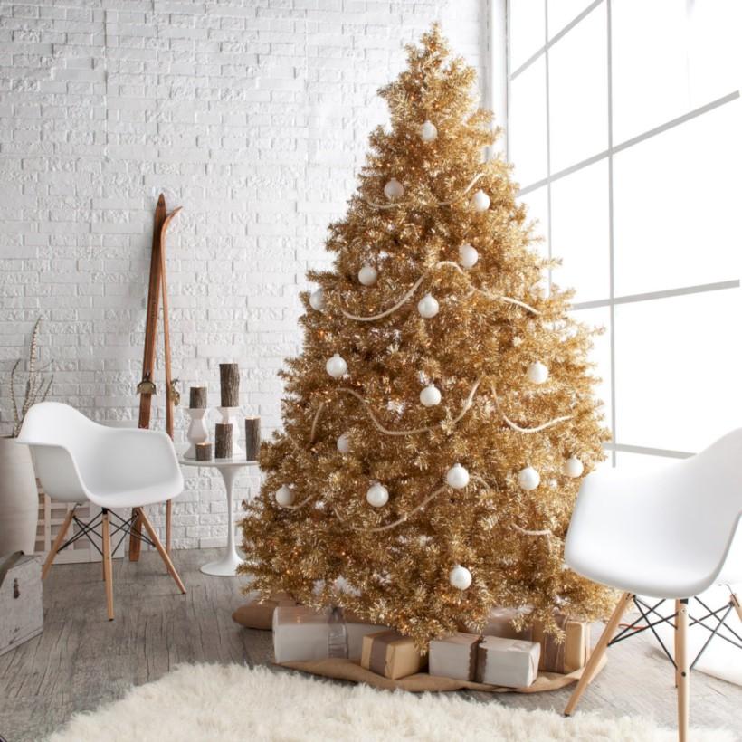 Stunning gold christmas tree decoration ideas 30 - 49 Stunning Gold Christmas Tree Decoration Ideas - Round Decor