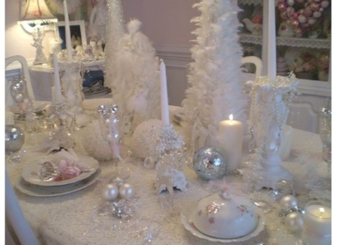 46 stylish silver and white christmas table centerpieces White christmas centerpieces
