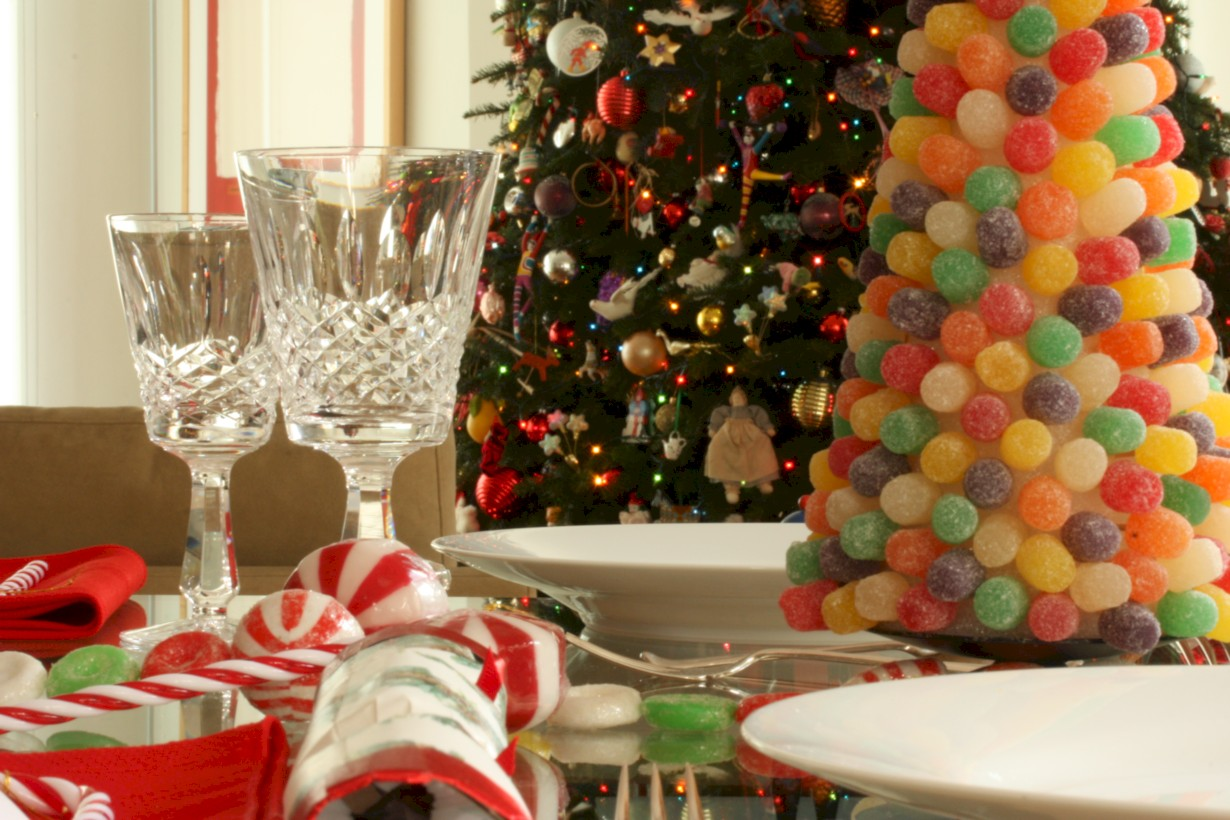 Unique and unusual christmas table centerpieces ideas