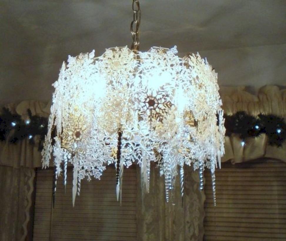 37 adorable christmas chandelier decoration ideas round decor adorable christmas chandelier decoration ideas 19 arubaitofo Gallery
