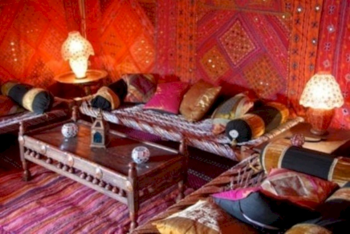 Marvelous Relaxing Moroccan Living Room Decoration Ideas 39