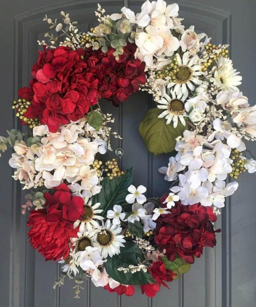 Awesome Valentine Wreaths Ideas For Your Front Door 13 Round Decor