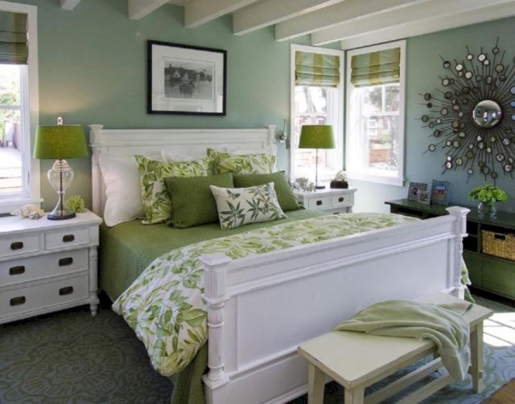 Wonderful green bedroom design decor ideas (29)