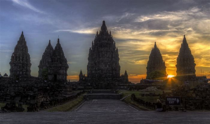 Stunning breathtaking temples around the world 12
