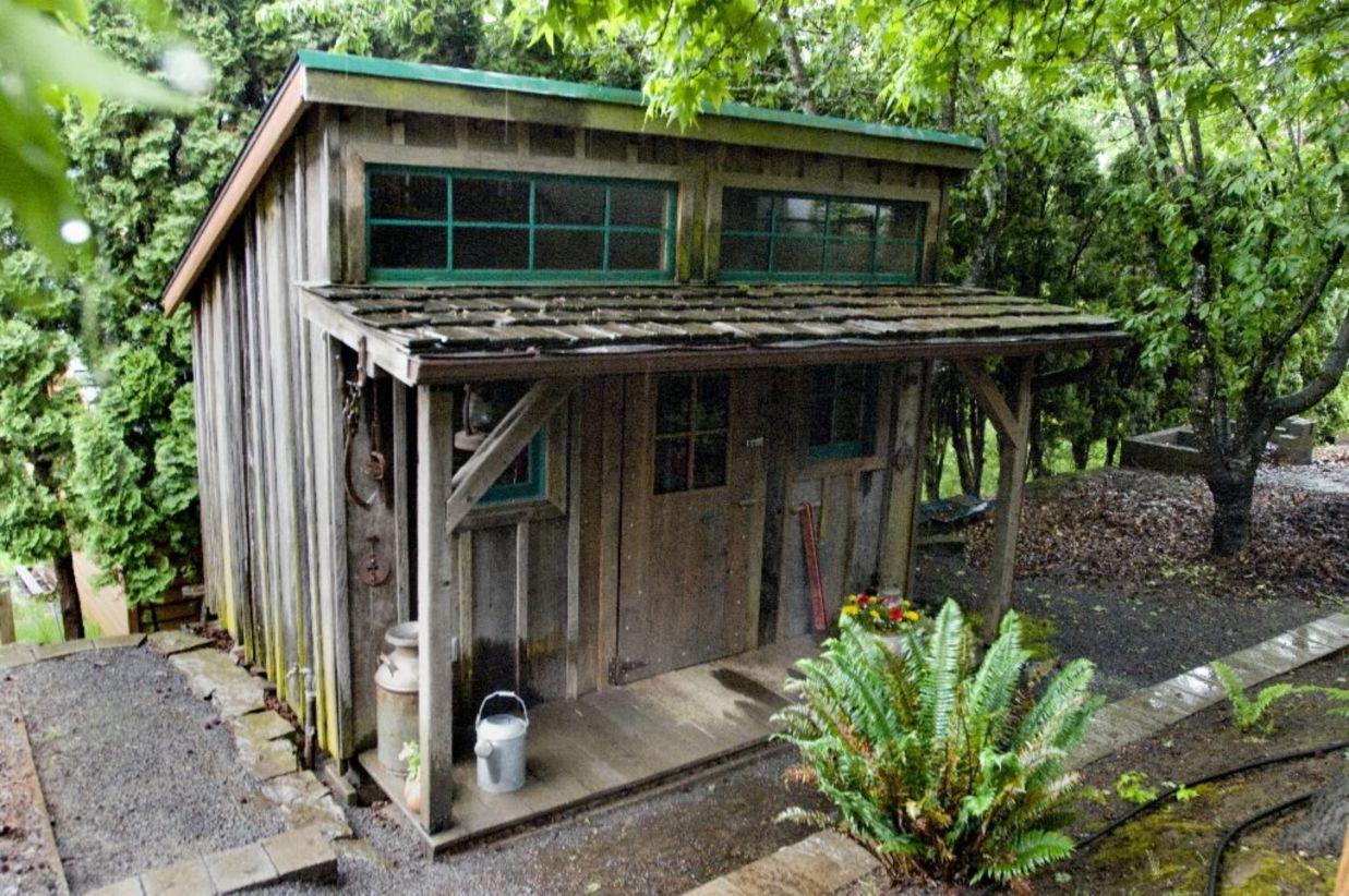 46 amazing rustic garden decor ideas
