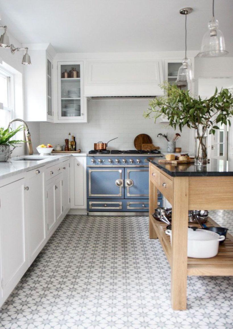 Amazing oak cabinet kitchen makeover ideas 19