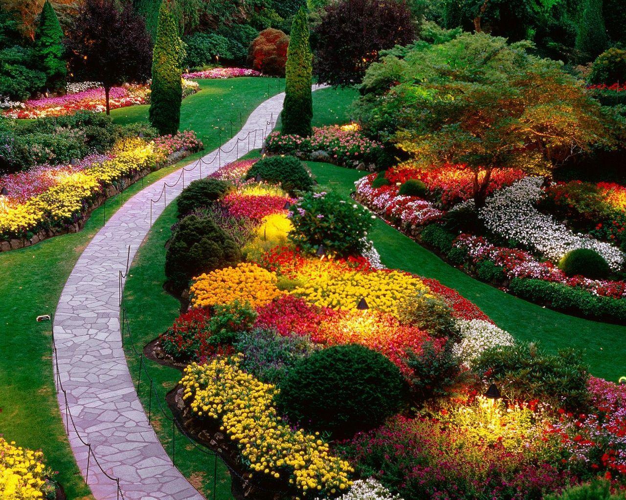 Stunning landscape pathways ideas for your garden 33