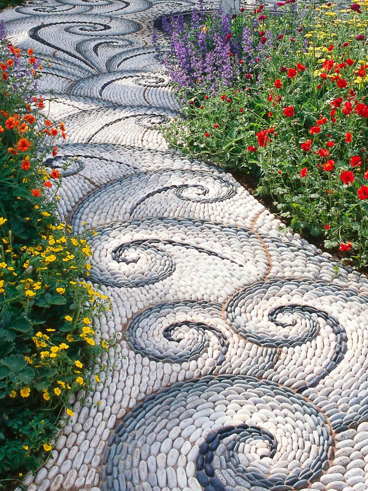 05-garden-path-walkway-ideas-homebnc